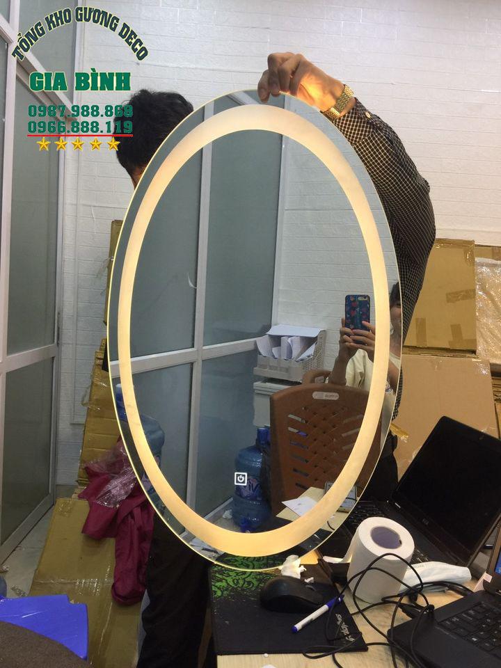 Gương tròn đèn led ưu điểm vượt trội tại xưởng gương Gia Bình